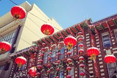 Classic Chinatown Tour and Optional Hosted Dim Sum Tasting Luncheon
