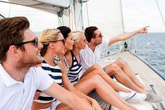Imagen Excursión en barco de vela para grupos pequeños de 2 horas desde Lisboa