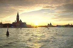 Venice: 3-Hour Special Dinner on-board in Venetian Lagoon
