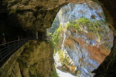 One day Hualien Taroko Gorge Tour from Taipei by Train