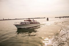 Private Cruise: The Quiet Southern Lagoon of Venice with Wine Tasting and Lunch