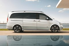 Imagen Private Arrival Transfer: London Stansted Airport to Central London in a Luxury Van