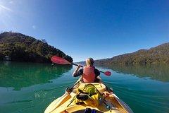 Imagen Full-Day Guided Sea Kayaking Trip from Anakiwa