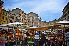 Private Combo Tour: Colosseum and Food Market Stroll