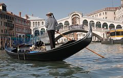 Kids Walking Tour Through Venice's Treasures
