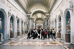 Imagen Skip-the-Line: Vatican, Sistine Chapel, and St Peter's Basilica Small-Group Tour