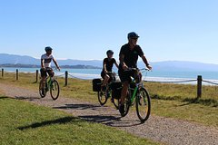 Imagen Full-Day Self-Guided Cycle and Sail Adventure from Nelson