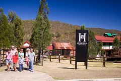 Imagen Cairns Full Day Tour Including Lake Barrine, Herberton and Granite Gorge Wallabies Park