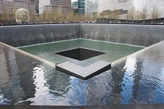 9/11 Memorial at World Trade Center and Financial District Walking Tour
