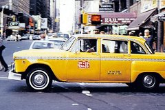 Private NYC Outer Borough Tour by Vintage NYC Taxi Cab