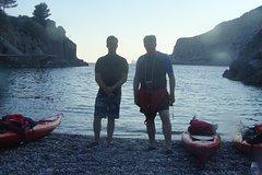 Sorrento: Kayak Tour in Bay of Leranto