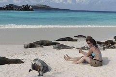 Imagen 6-Day Galapagos Tour: Santa Cruz and Isabela Islands