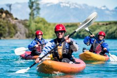 Imagen Half-Day Kayak Experience on the Mighty Clutha River from Wanaka