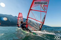 Windsurfing course from Malcesine