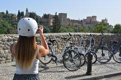 Imagen Premium Electric Bike Tour of Granada (2hr)