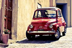 The ITALIAN JOB - CLASSIC FIAT 500 CAR TOUR in TUSCANY