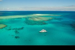 Imagen Great Barrier Reef Dive and Snorkel Cruise from Mission Beach
