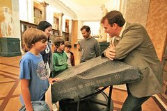 Imagen Small Group London British Museum Tour for Kids and Families