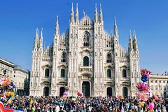 Imagen Skip the Line: Milan Duomo and Rooftop Tour for Kids and Families