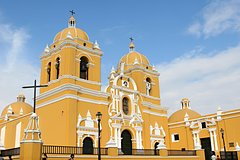 Imagen Trujillo City Sightseeing Tour and National University Archeological Museum