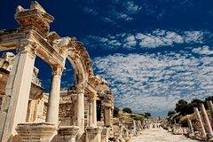 Shared day tour of Pompeii, Herculaneum and Vesuvius