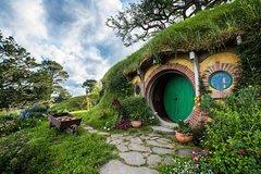 Imagen Hobbiton™ Movie Set 2-Hour Walking Tour from Shires Rest