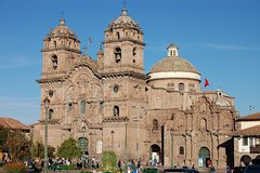 Imagen Awanakancha Textile Center and Qorikancha Ruins from Cusco