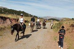 Imagen Horseback Riding around Cusco