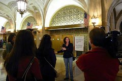 Discover Chicagos Underground City - all indoor walking tour