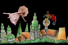 Aspects of Alice - Teatro Negro (Black Light Theatre) Ta Fantastika, Praga