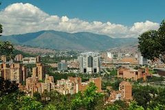 Imagen Medellín City Tour with Optional Lunch and Metrocable Gondola Ride
