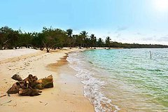 Imagen Full-Day Trip to Aguazul Beach Resort on Barú Island from Cartagena