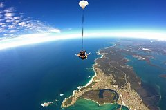 Skydive Sydney-Newcastle up to 15,000ft Tandem Skydive