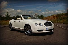 Rent a Car for Wedding: 1971 White Bentley