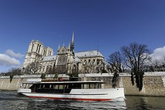 Imagen Vedettes de Paris Seine River Cruise: Direct Access E-Ticket