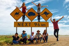 Imagen 9-Day Perth to Adelaide Nullarbor Camping Adventure with Optional Shark Cage Dive