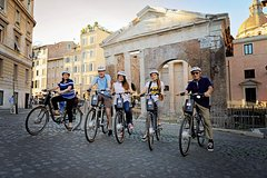 Imagen Appian Way in Rome with Bicycle