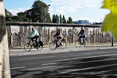 Imagen Berlin Wall and Third Reich History 3-Hour Bike Tour in Berlin