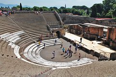 Skip-the-lines Private Tour of Pompeii Including the Theatre the Forum and all Highlights