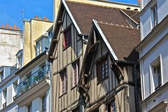Imagen Marais District Small-Group Walking Tour in Paris