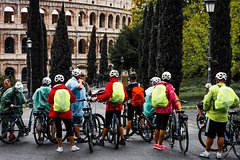 Tour in the City - Rome Highlights Bike Tour plus Colosseum Guided Tour or