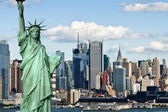 Private New York City Sightseeing Tour and Round-Trip Ferry