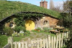 Imagen Full-Day Small-Group Hobbiton Tour from Auckland