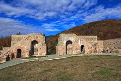 Imagen Trajan Gate fortress and 2 waterfalls in Rila Mountain from Sofia by car