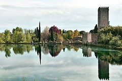 Garden of Ninfa and Sermoneta Day Trip from Rome