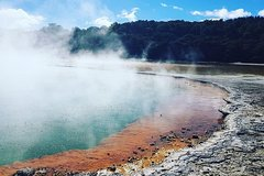 Imagen Wai-O-Tapu Thermal Wonderland Option to add Waimangu, Hobbiton or Whakarewarea