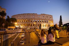 Evening Underground Colosseum Tour with Prosecco