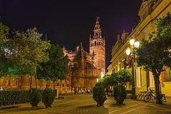 Imagen Excursão noturna a pé por Santa Cruz em Sevilha incluindo tapas e bebidas
