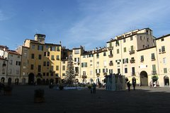 Activities,Water activities,Excursion to Pisa,Excursion to Lucca