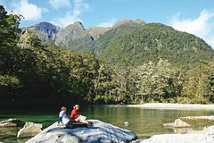 Imagen Milford Track Guided Day Walk from Te Anau